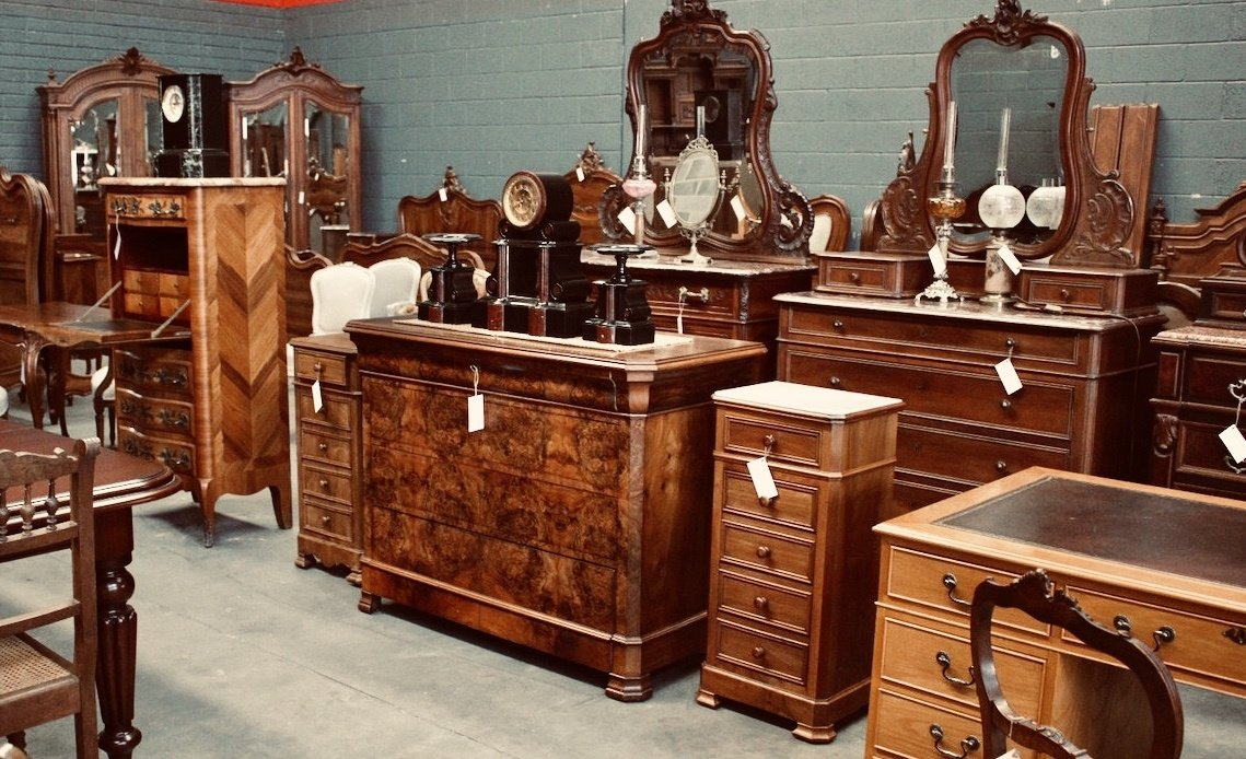 best vintage furniture spots
