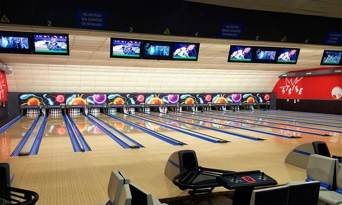 This image has an empty alt attribute; its file name is Bowling_Pedralbes_05-1.jpg